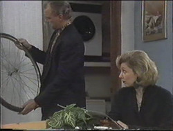 Jim Robinson, Beverly Marshall in Neighbours Episode 1255