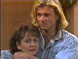 Pam Willis, Brad Willis in Neighbours Episode 1831