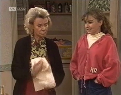 Helen Daniels, Debbie Martin in Neighbours Episode 1962