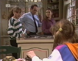 Debbie Martin, Philip Martin, Julie Robinson, Hannah Martin in Neighbours Episode 1962