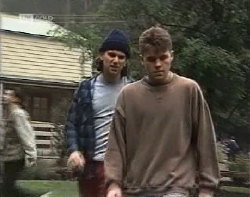 Darren Stark, Michael Martin in Neighbours Episode 1962