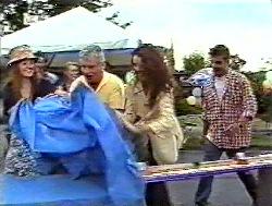 Cody Willis, Lou Carpenter, Gaby Willis, Mark Gottlieb in Neighbours Episode 2120