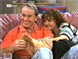 Doug Willis, Pam Willis in Neighbours Episode 2120