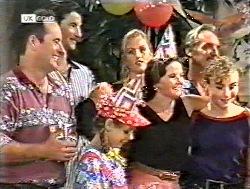 Philip Martin, Kev Duve, Hannah Martin, Susie, Julie Martin, Alex, Debbie Martin in Neighbours Episode 2120