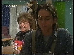Marlene Kratz, Darren Stark in Neighbours Episode 2712