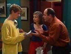 Lance Wilkinson, Anne Wilkinson, Philip Martin in Neighbours Episode 3228