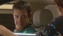Paul Robinson, Rebecca Napier in Neighbours Episode 5687