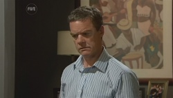 Paul Robinson in Neighbours Episode 5688