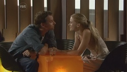 Lucas Fitzgerald, Elle Robinson in Neighbours Episode 5689