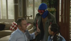 Karl Kennedy, Zeke Kinski, Sunny Lee in Neighbours Episode 5691