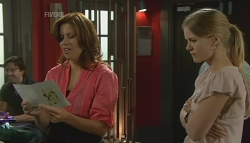 Rebecca Napier, Elle Robinson in Neighbours Episode 5691