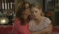 Rebecca Napier, Elle Robinson in Neighbours Episode 5692