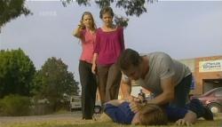 Elle Robinson, Susan Kennedy, Lucas Fitzgerald, Glen Mitchell in Neighbours Episode 5692