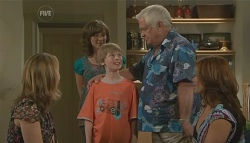 Miranda Parker, Bridget Parker, Mickey Gannon, Lou Carpenter, Rebecca Napier in Neighbours Episode 5693
