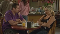 Toadie Rebecchi, Steph Scully in Neighbours Episode 5695
