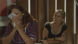 Rebecca Napier, Elle Robinson in Neighbours Episode 5696