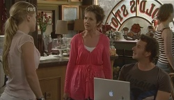 Elle Robinson, Susan Kennedy, Lucas Fitzgerald in Neighbours Episode 5697