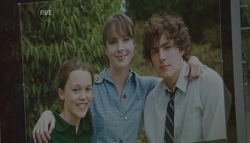 Sophie Ramsay, Kate Ramsay, Harry Ramsay in Neighbours Episode 5697