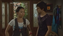 Sunny Lee, Zeke Kinski in Neighbours Episode 5697