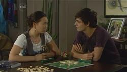 Sunny Lee, Zeke Kinski in Neighbours Episode 5698