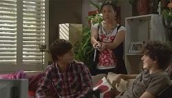 Zeke Kinski, Sunny Lee, Harry Ramsay in Neighbours Episode 5699