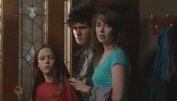 Sophie Ramsay, Harry Ramsay, Kate Ramsay in Neighbours Episode 5700