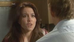 Libby Kennedy, Dan Fitzgerald in Neighbours Episode 5700