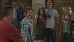 Karl Kennedy, Susan Kennedy, Libby Kennedy, Dan Fitzgerald, Steph Scully in Neighbours Episode 5700