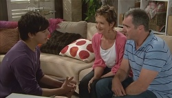 Zeke Kinski, Susan Kennedy, Karl Kennedy in Neighbours Episode 5718