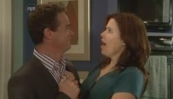 Paul Robinson, Rebecca Napier in Neighbours Episode 5724