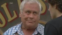 Lou Carpenter, Harry Ramsay in Neighbours Episode 5724