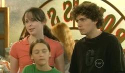 Kate Ramsay, Sophie Ramsay, Harry Ramsay in Neighbours Episode 5725