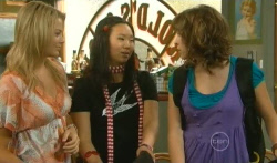 Donna Freedman, Sunny Lee, Bridget Parker in Neighbours Episode 5726