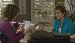 Bridget Parker, Dahl, Susan Kennedy in Neighbours Episode 5729