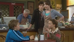 Callum Jones, Lou Carpenter, Harry Ramsay, Kate Ramsay, Sophie Ramsay in Neighbours Episode 5729