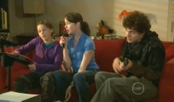 Sophie Ramsay, Kate Ramsay, Harry Ramsay in Neighbours Episode 5735