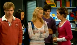 Ringo Brown, Sunny Lee, Donna Freedman, Zeke Kinski, Susan Kennedy in Neighbours Episode 5737