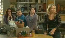 Libby Kennedy, Toadie Rebecchi, Kate Ramsay, Steph Scully in Neighbours Episode 5738