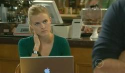 Elle Robinson in Neighbours Episode 5739