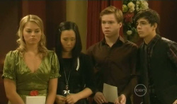 Donna Freedman, Sunny Lee, Ringo Brown, Zeke Kinski in Neighbours Episode 5740