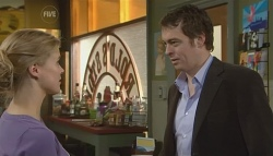 Elle Robinson, Josh Burns in Neighbours Episode 5741