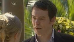 Elle Robinson, Josh Burns in Neighbours Episode 5742