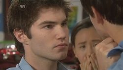Declan Napier, Sunny Lee, Zeke Kinski in Neighbours Episode 5742