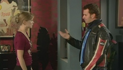 Elle Robinson, Lucas Fitzgerald in Neighbours Episode 5743