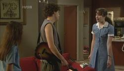 Sophie Ramsay, Harry Ramsay, Kate Ramsay in Neighbours Episode 5743