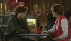 Harry Ramsay, Susan Kennedy in Neighbours Episode 5744