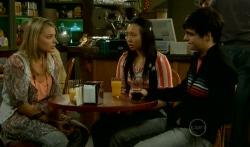 Donna Freedman, Sunny Lee, Zeke Kinski in Neighbours Episode 5747