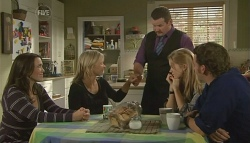 Libby Kennedy, Steph Scully, Toadie Rebecchi, Elle Robinson, Lucas Fitzgerald in Neighbours Episode 5748