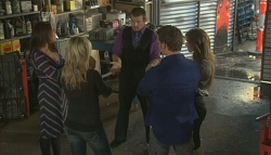 Libby Kennedy, Steph Scully, Toadie Rebecchi, Lucas Fitzgerald, Elle Robinson in Neighbours Episode 5748