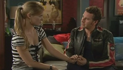 Elle Robinson, Lucas Fitzgerald in Neighbours Episode 5749